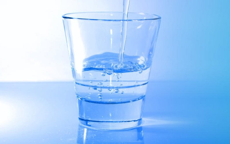 Drink water and hydrated to avoid hair loss