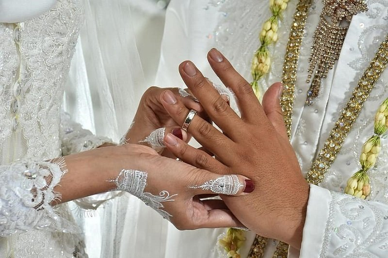 Marriage does not necessarily guarantee stable relationship